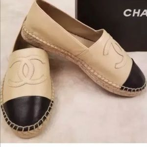 New Chanel Lambskin CC ESpedrilles Beige/Bk sz 38